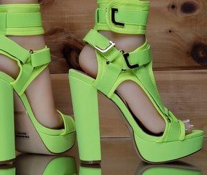Chuncky high heel neon yellow harness strap shoe